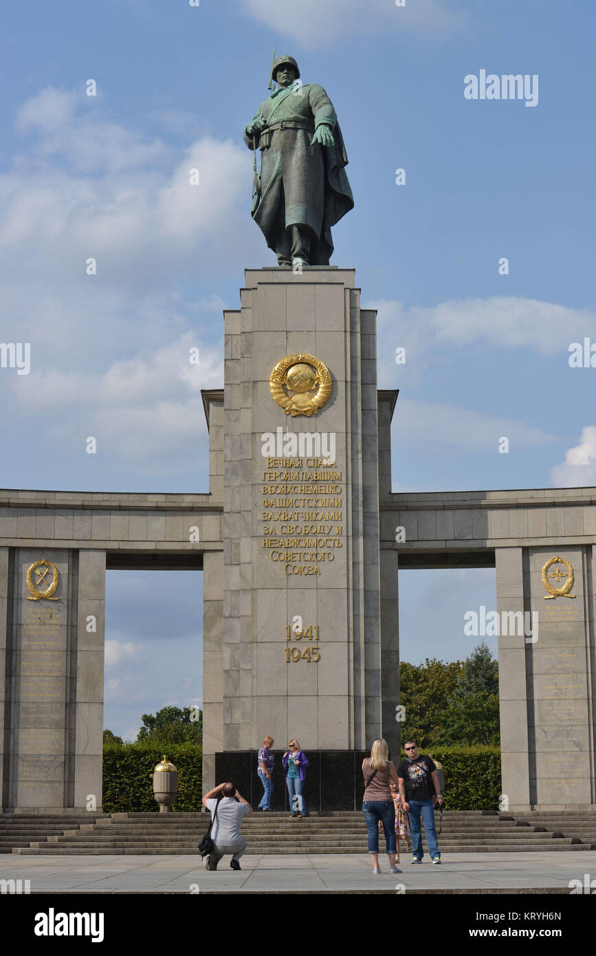 Soviet monument, street of the 17th of June, zoo, Berlin, Germany, Sowjetisches Ehrenmal, Strasse des 17. Juni, - Stock Image