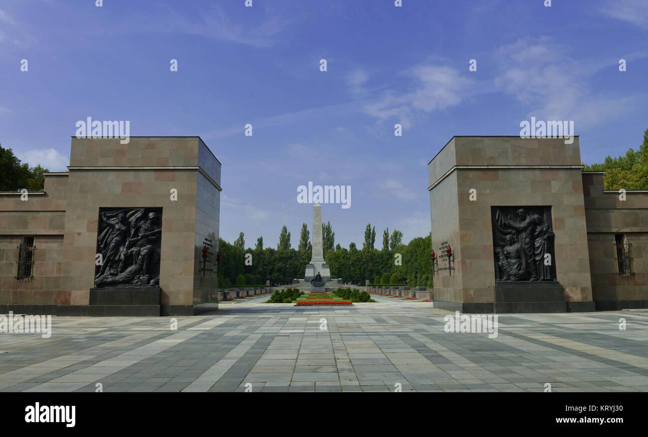 Soviet monument, Schoenholzer moor, Pankow, Berlin, Germany / Sch?nholzer, Sowjetisches Ehrenmal, Schoenholzer Heide, - Stock Image