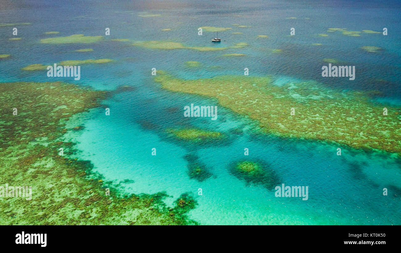 Aerial view of dive boat on the Great Barrier Reef - Stock Image