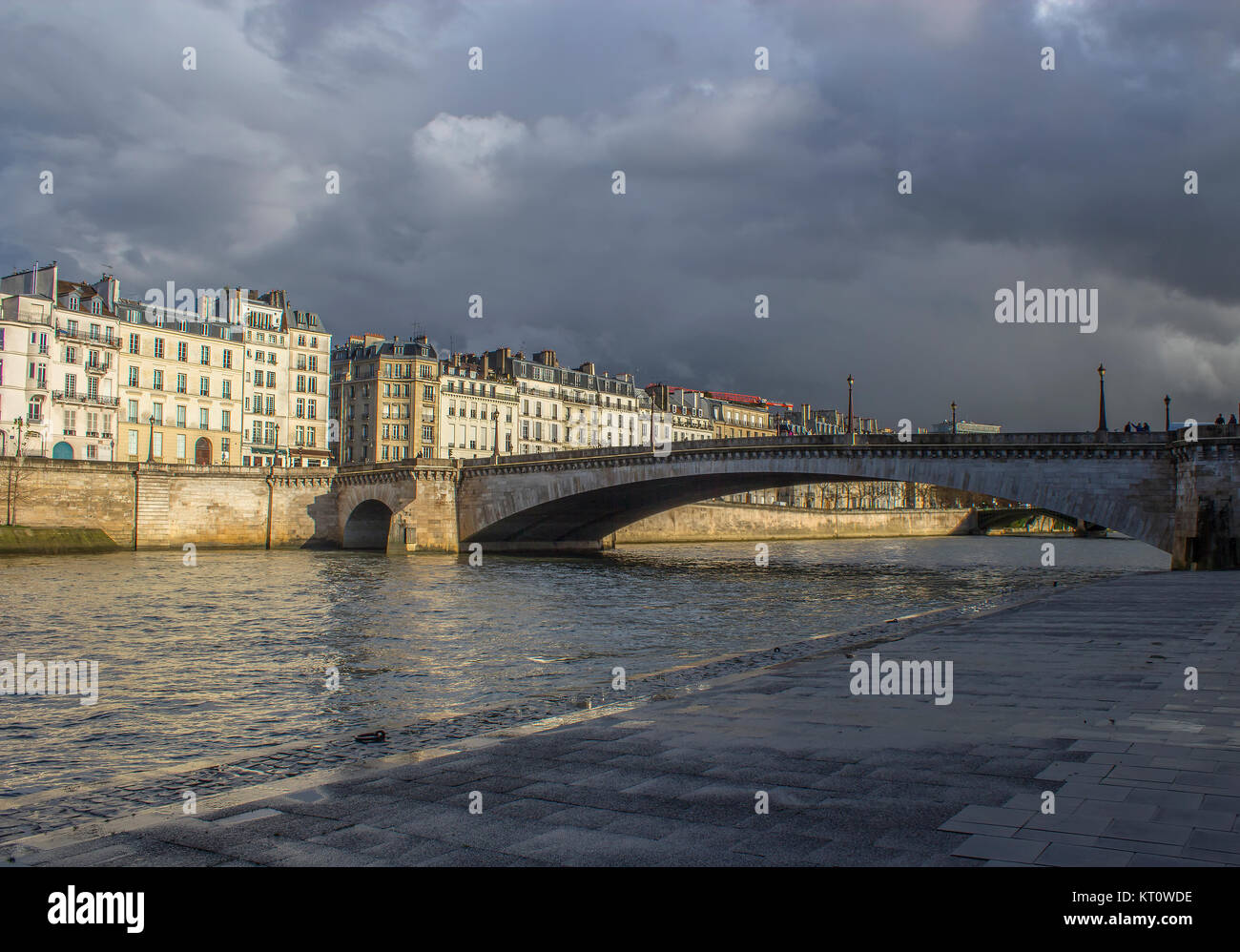 Sena river in Paris with storm aproaching - Stock Image