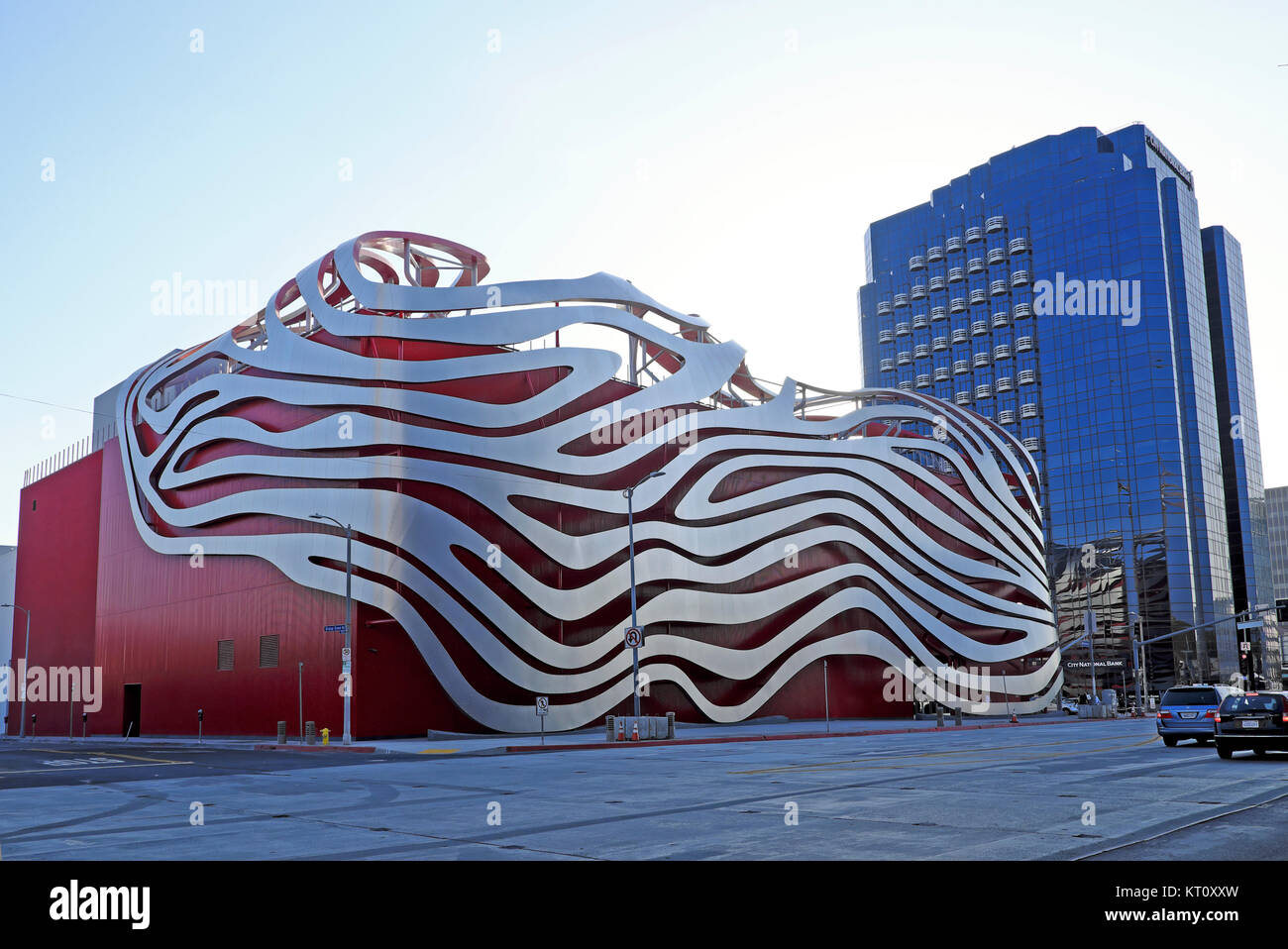 Petersen Automotive Museum contemporary building modern architecture in Miracle Mile district Wilshire Blvd Los - Stock Image