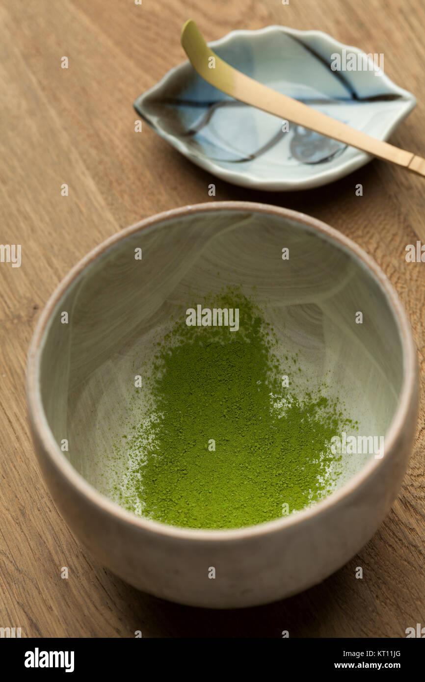 Preparing a bowl of Japanese green matcha tea - Stock Image
