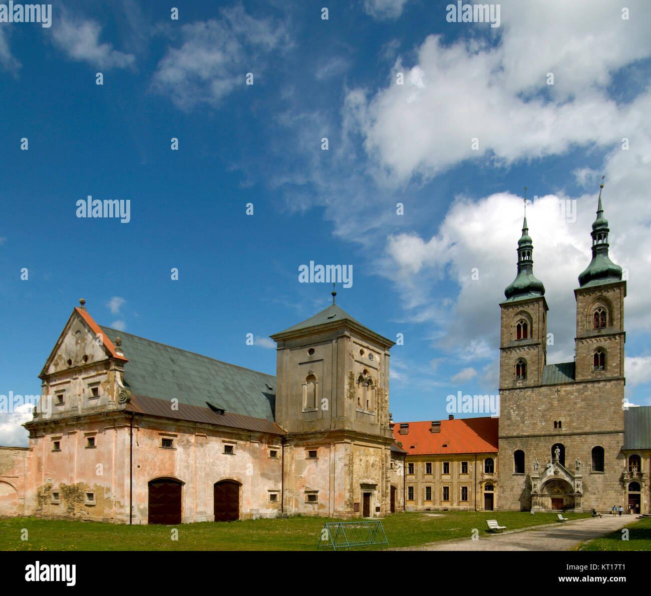 Tschechien, Böhmen : Kloster Tepla wurde 1193 vom Grossherrn Hroznata gebaut. Hier leben Ordensbrüder - Stock Image