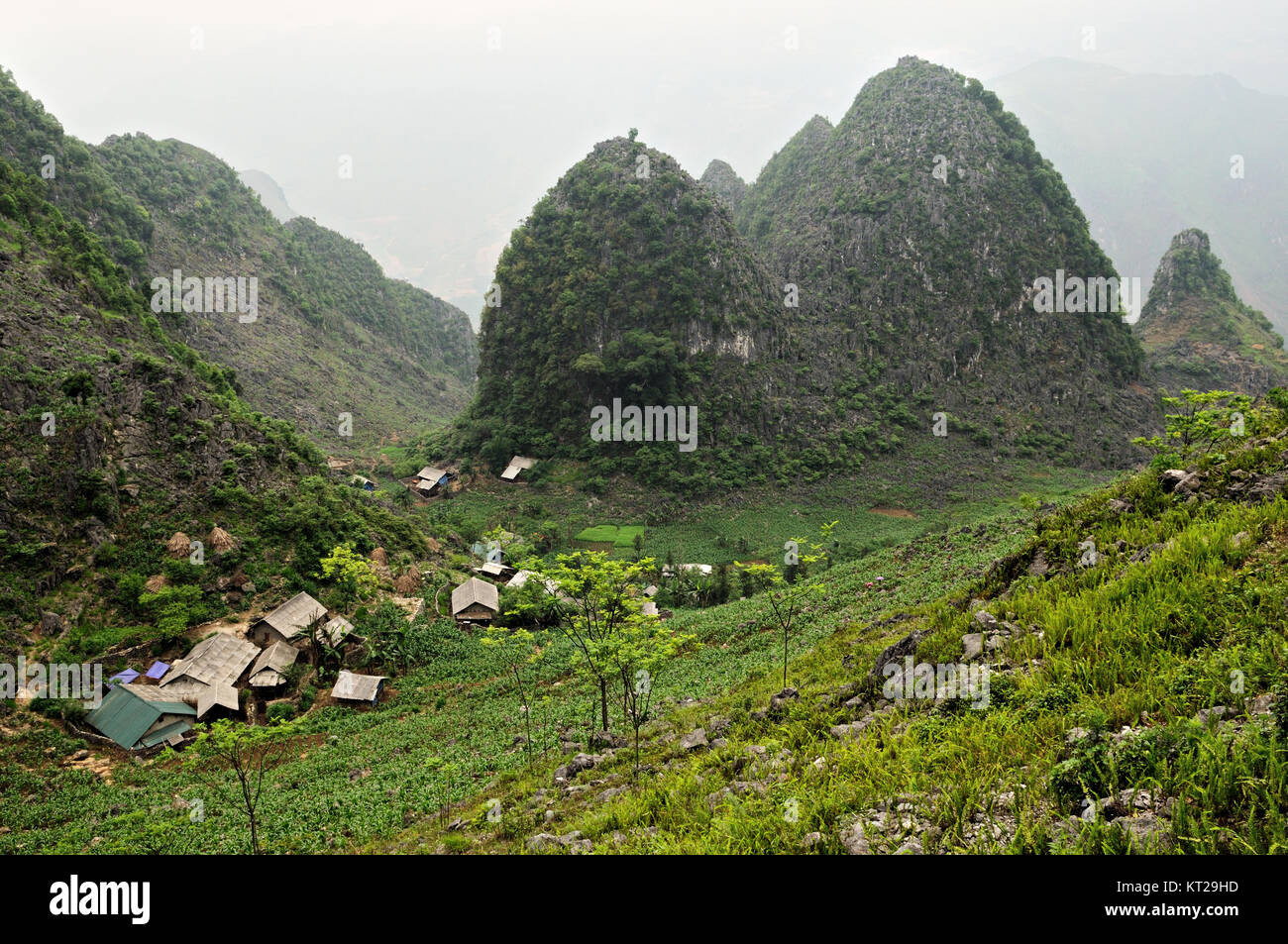 Village and mountains between Dong Van and Meo Vac in Ha Giang Province, north Vietnam Stock Photo