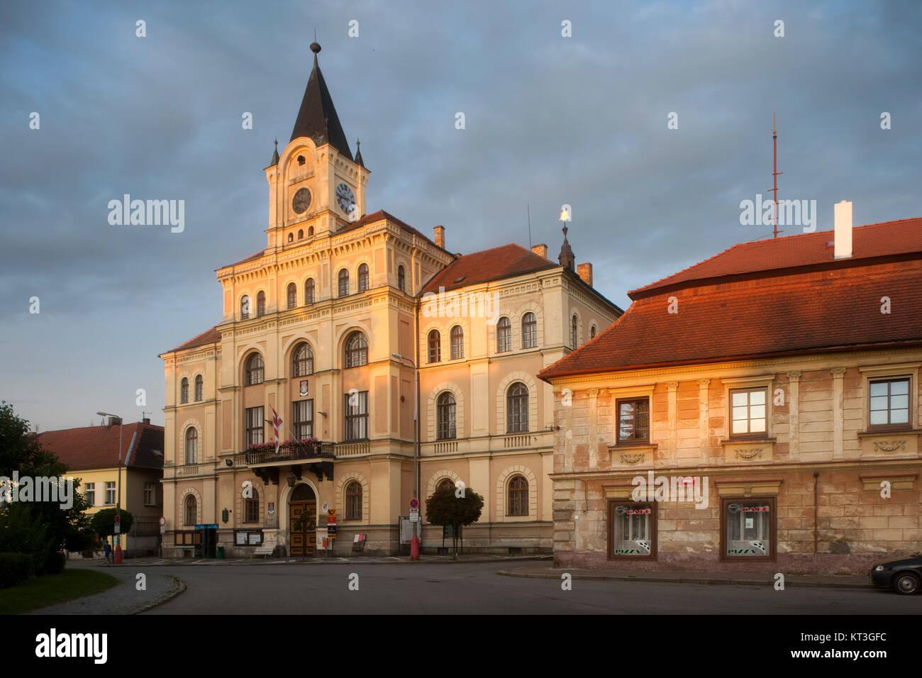 Tschechien, Südböhmen, Netolice, Hauptplatz mit Rathaus Stock Photo