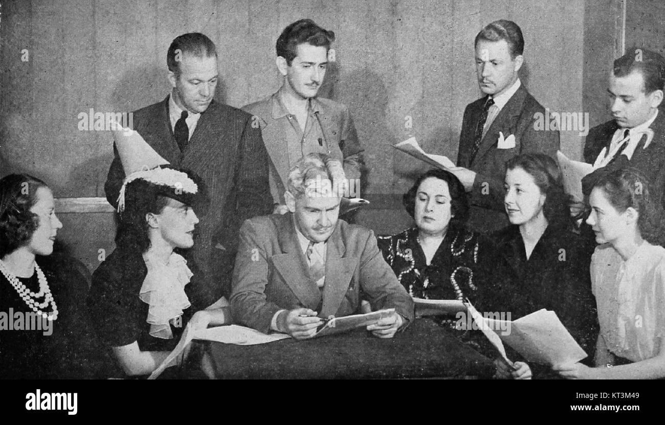 Guiding Light cast December 1940 - Stock Image