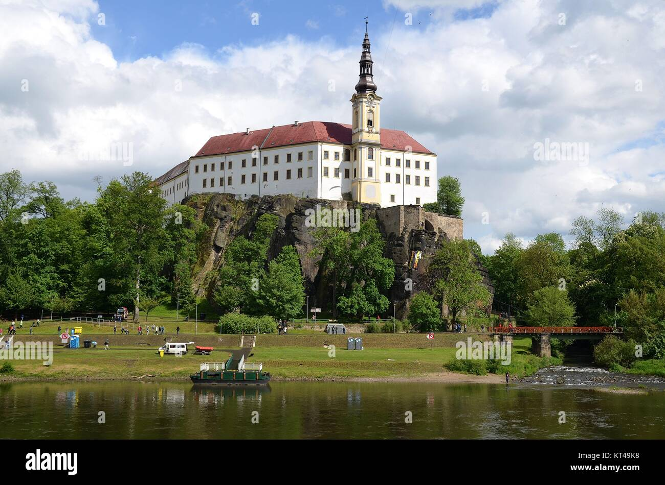 Děčín (Tetschen) at the river Labe (Elbe) in the Czech Republic: The Castle above the river - Stock Image