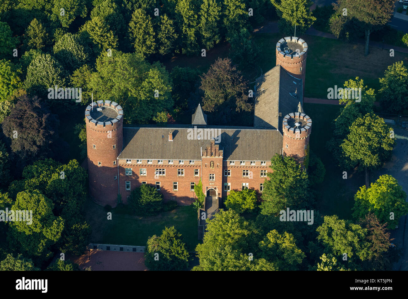 Electorate of Cologne country castle, old town with castle and windmill, Kempen, Niederrhein, North Rhine-Westphalia, - Stock Image
