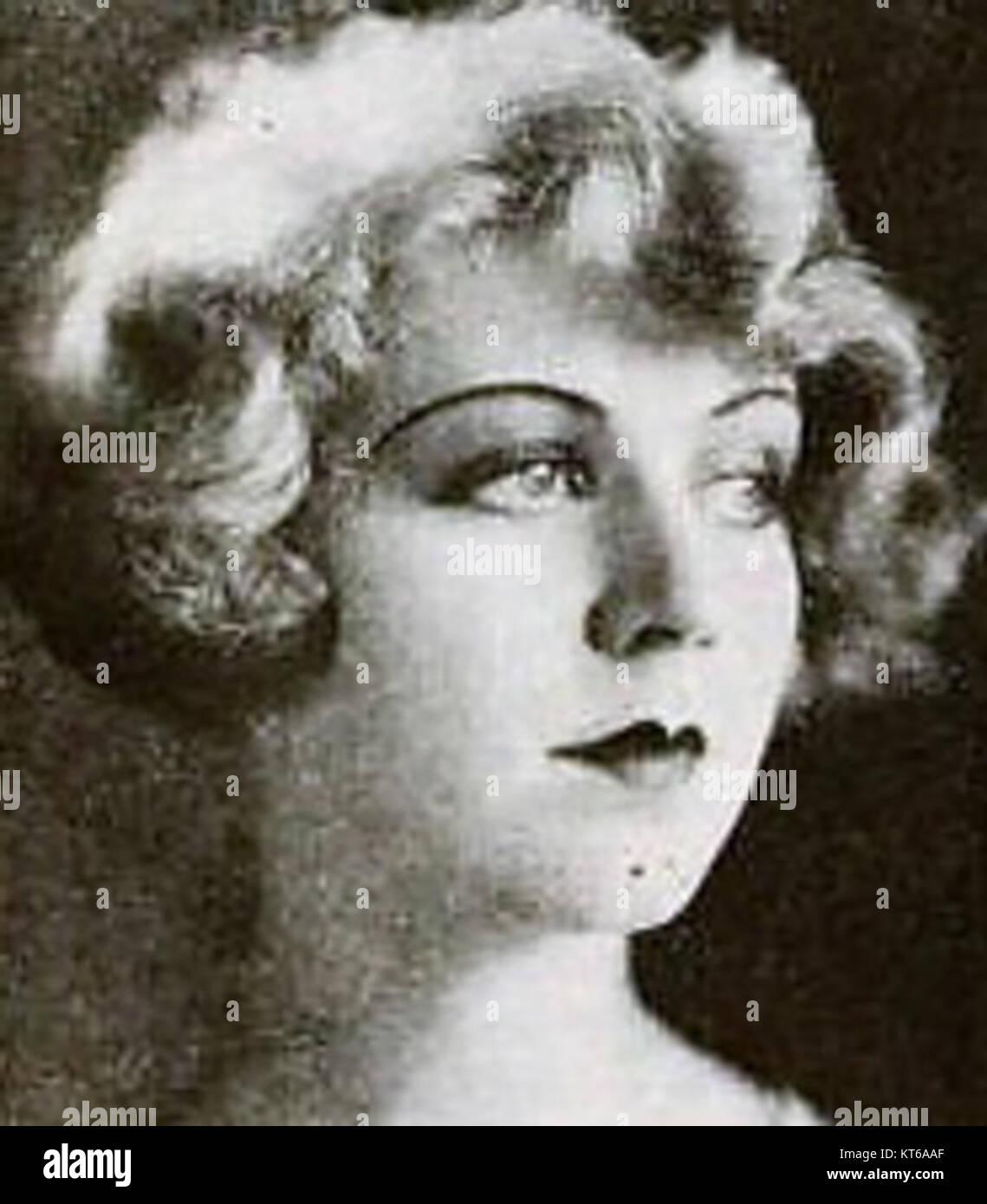 Violet La Plante