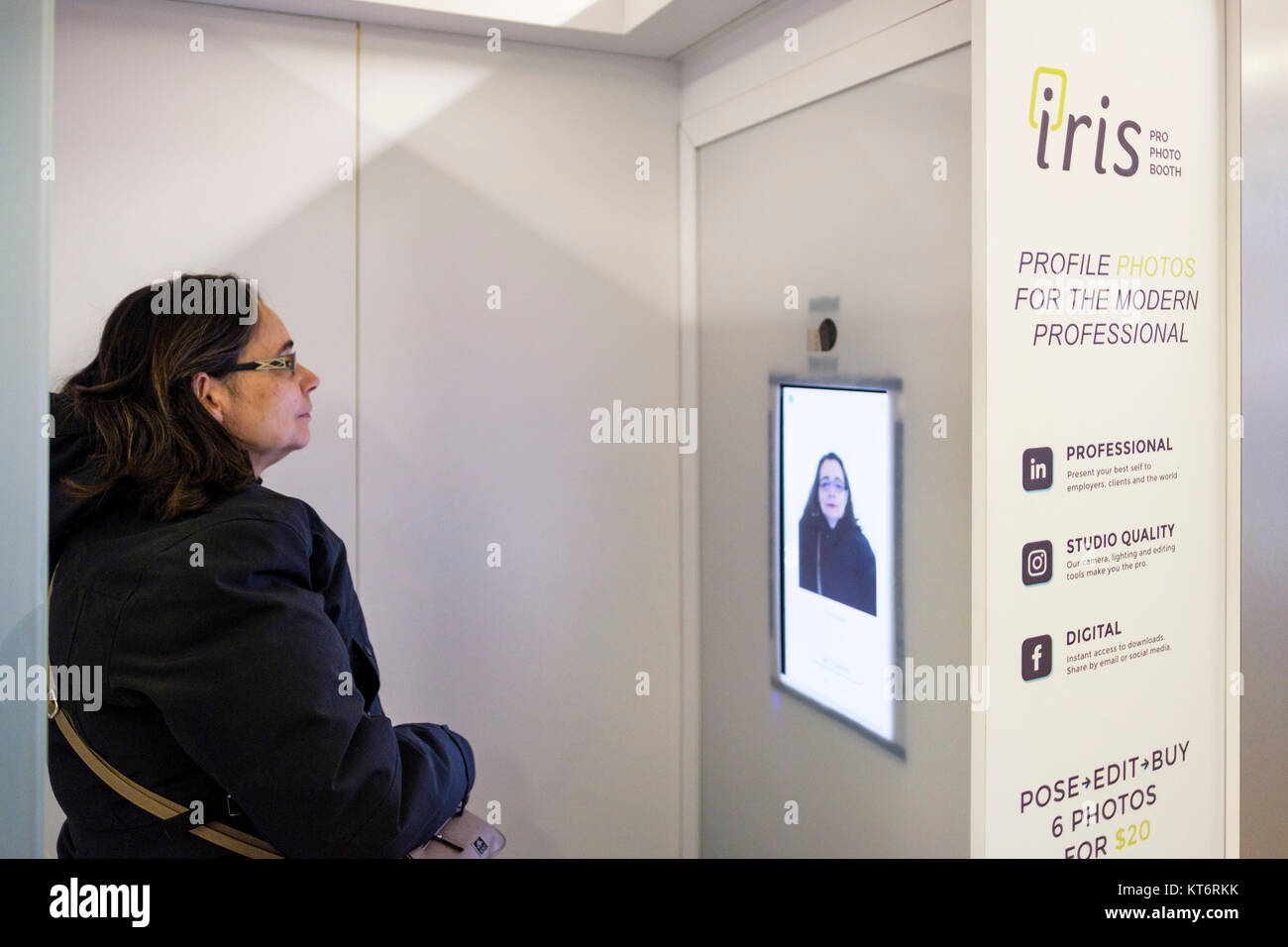 Iris Pro Photo Booth takes high-end headshots of people ordered and processed digitally, Ryerson University - Ted - Stock Image