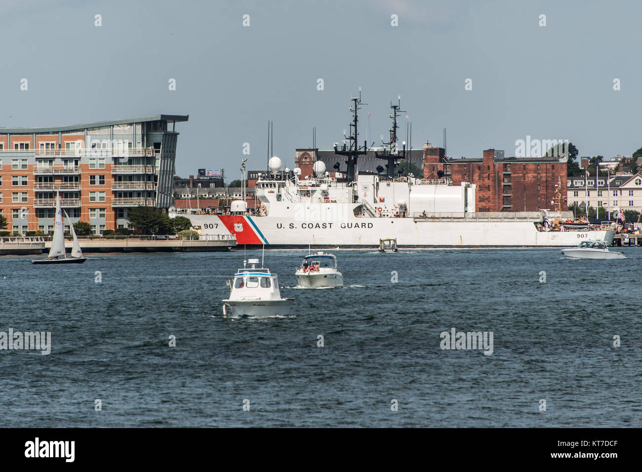 Boston, MA, USA 05.09.2017 Ships of The US Coast Guard docked at Base Boston on sunny day - Stock Image