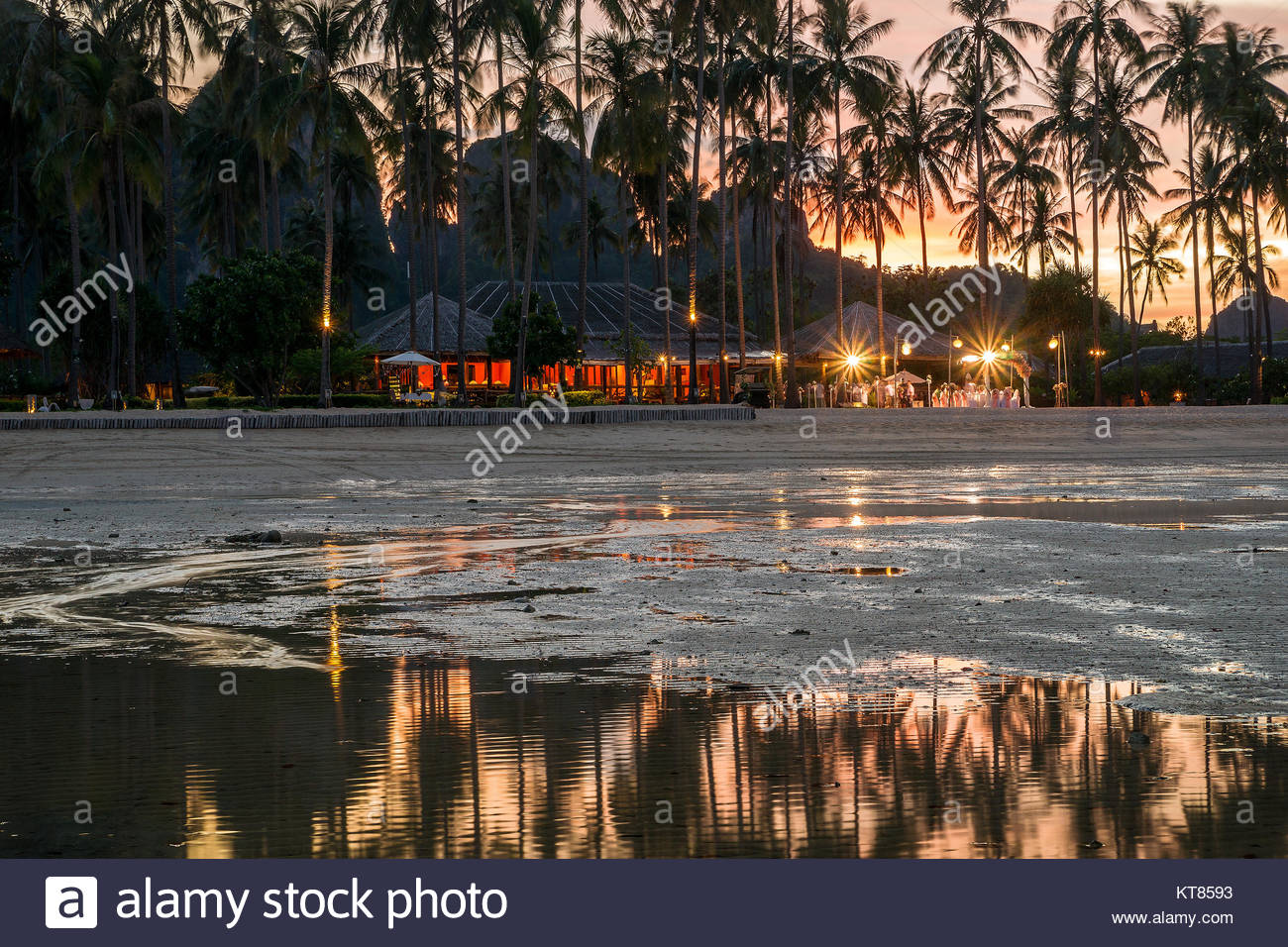Loh Bagao Bay (Pee Pee Island Village) at low tide after sunset - Koh Phi Phi - Thailand Stock Photo
