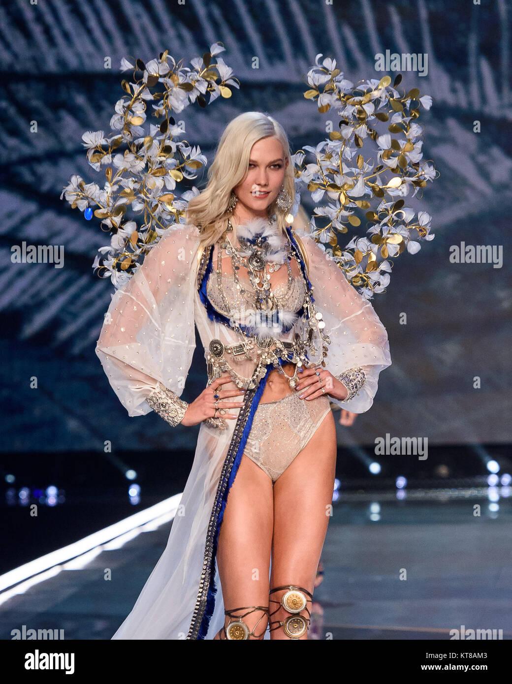 Watch Karlie Kloss shares her Victorias Secret Fashion Show workout video