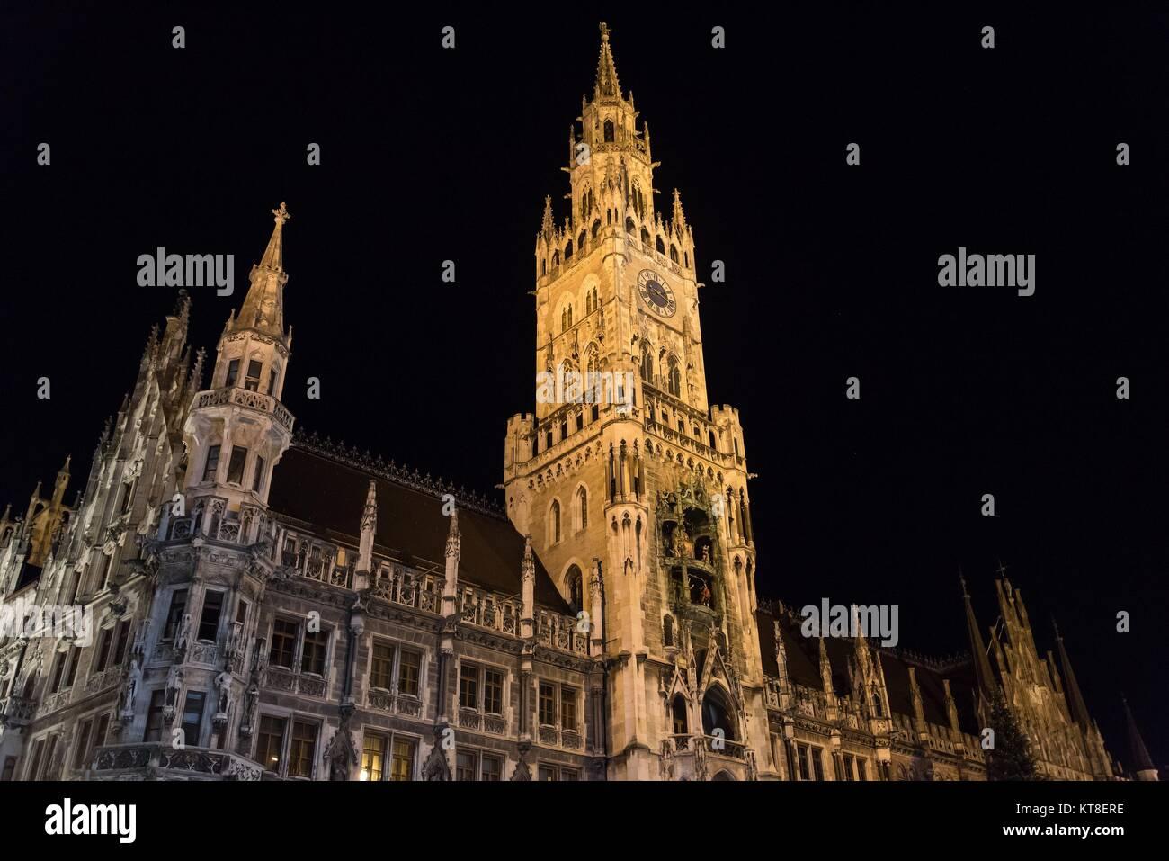 Night scene of town hall at the Marienplatz in Munich, Germany. Horizontal image. - Stock Image