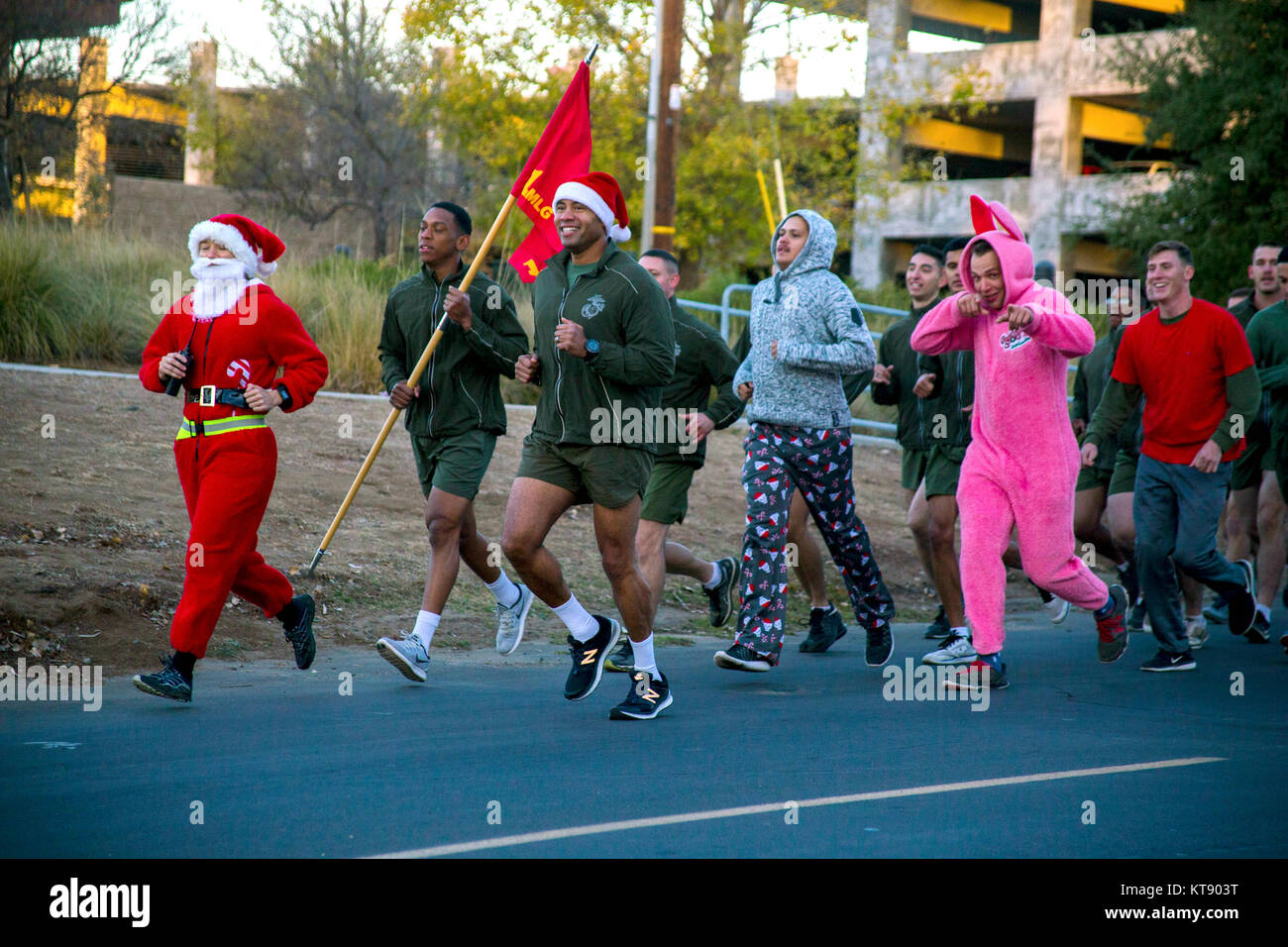 Oceanside, United States. 22nd Dec, 2017. U.S. Marines wearing Santa costumes take part in the annual Christmas Stock Photo