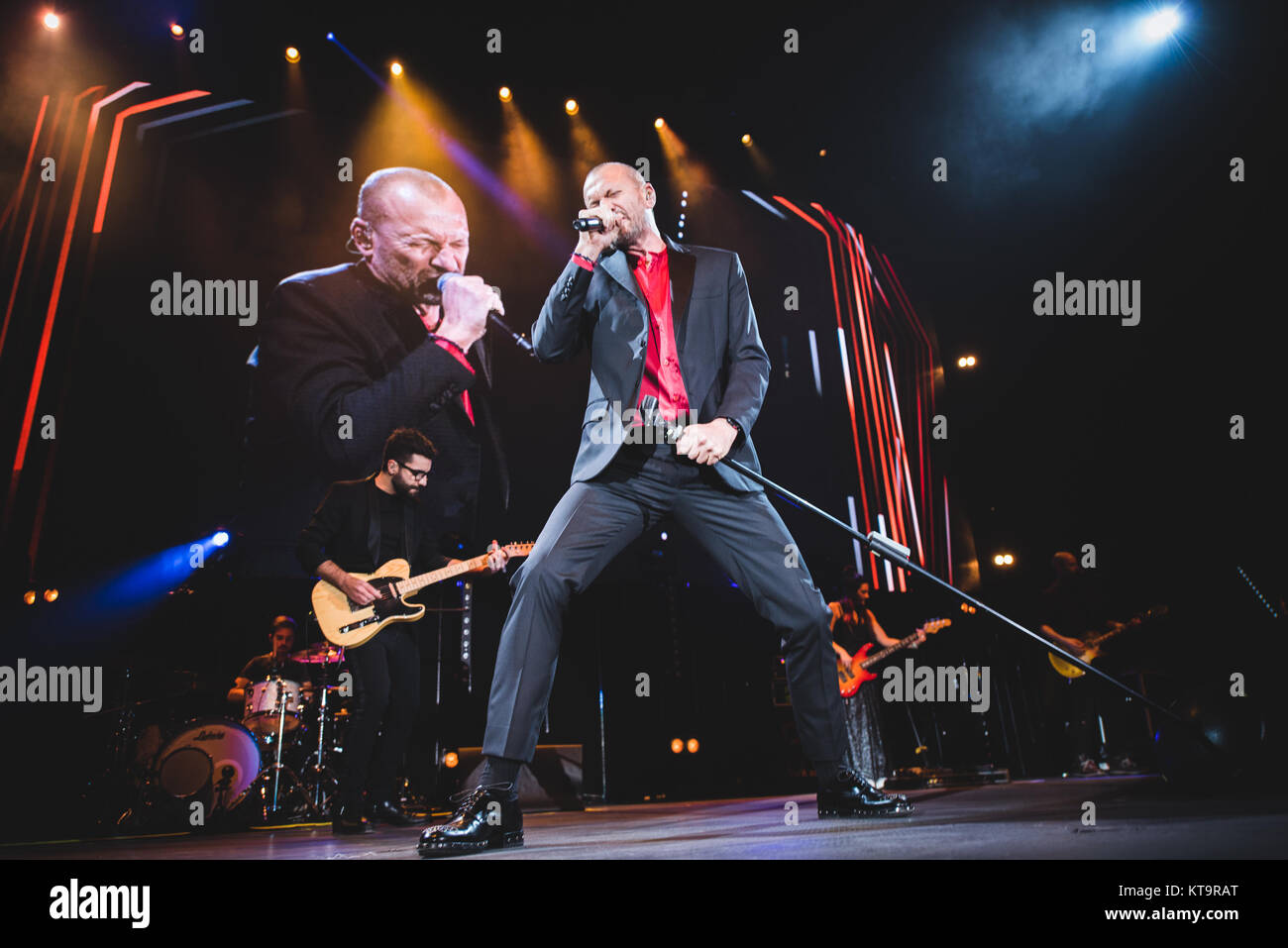 Turin, Italy. 21st Dec, 2017. Italy, 2017 December 21st: The Italian singer and song writer Biagio Antonacci performing Stock Photo