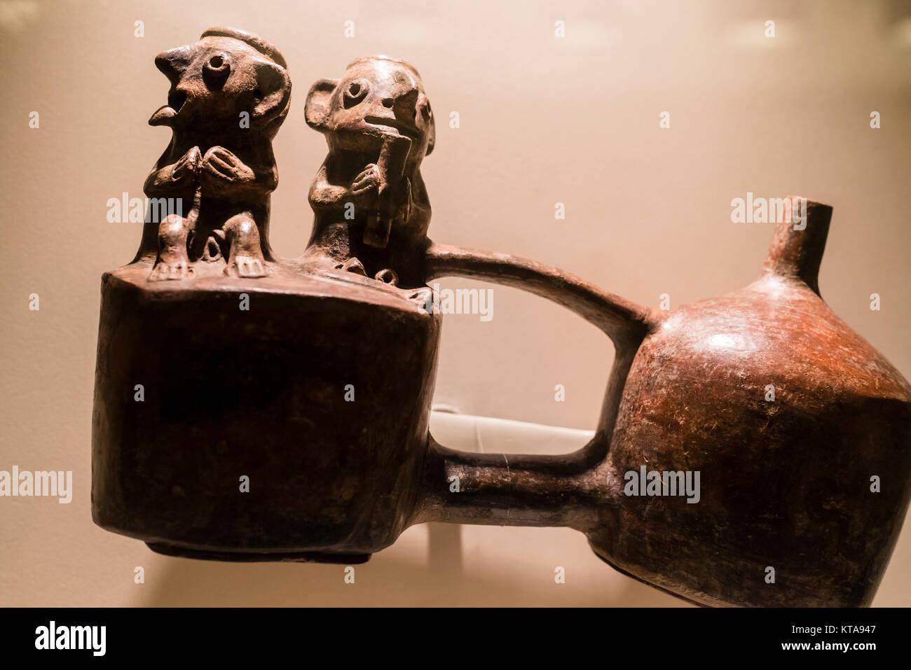 Ceramic vessel Vicús culture 100 BC-400 AC Perú - Stock Image