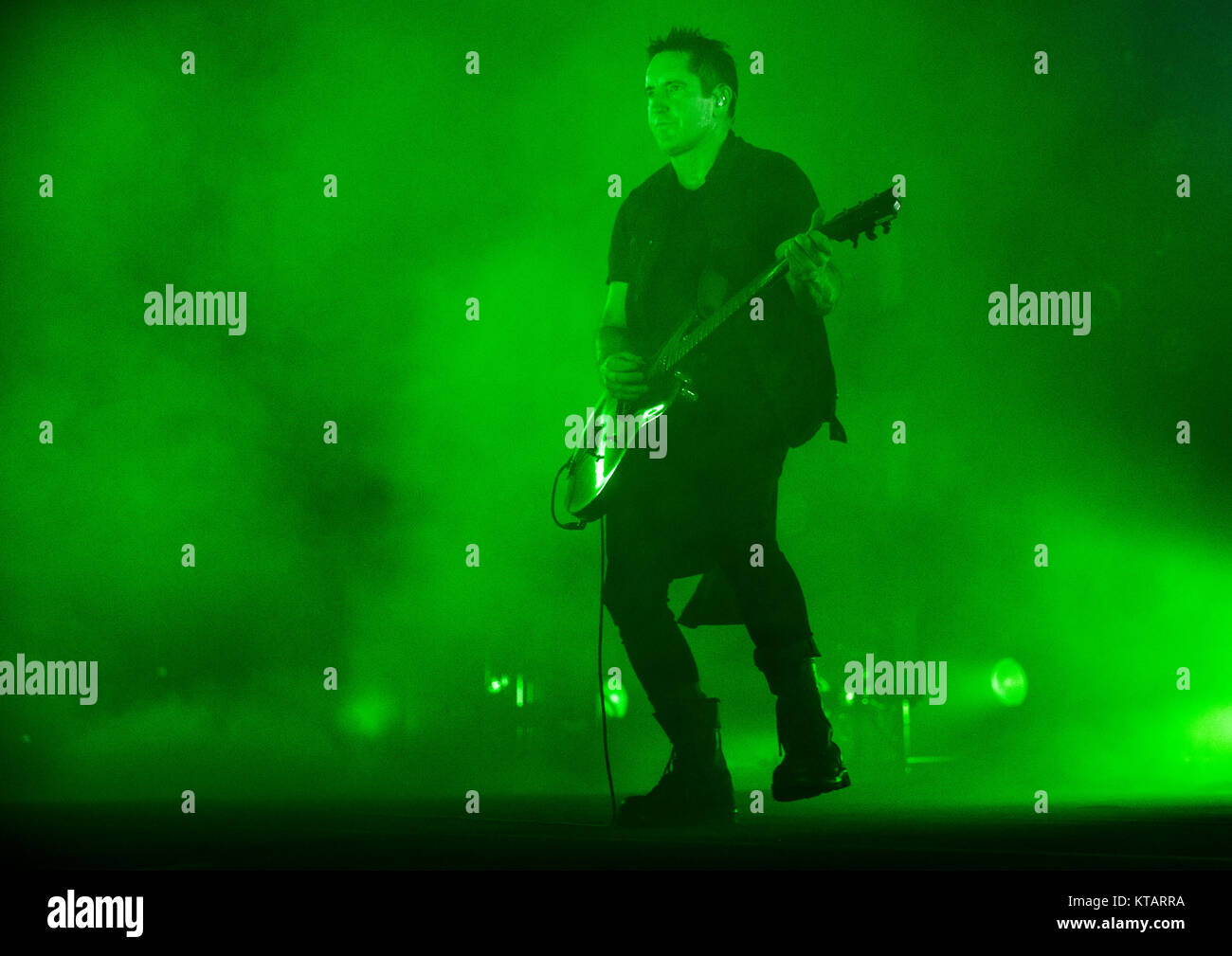 Nine Inch Nails Stage Stock Photos & Nine Inch Nails Stage Stock ...