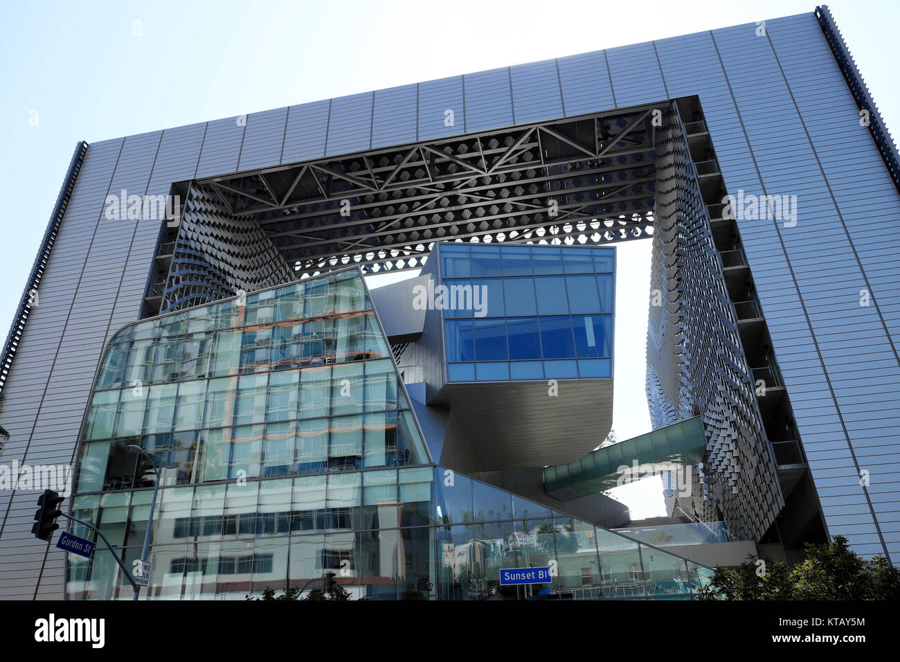 Emerson College Los Angeles >> Front View Of Emerson College Building Designed By Morphosis Stock