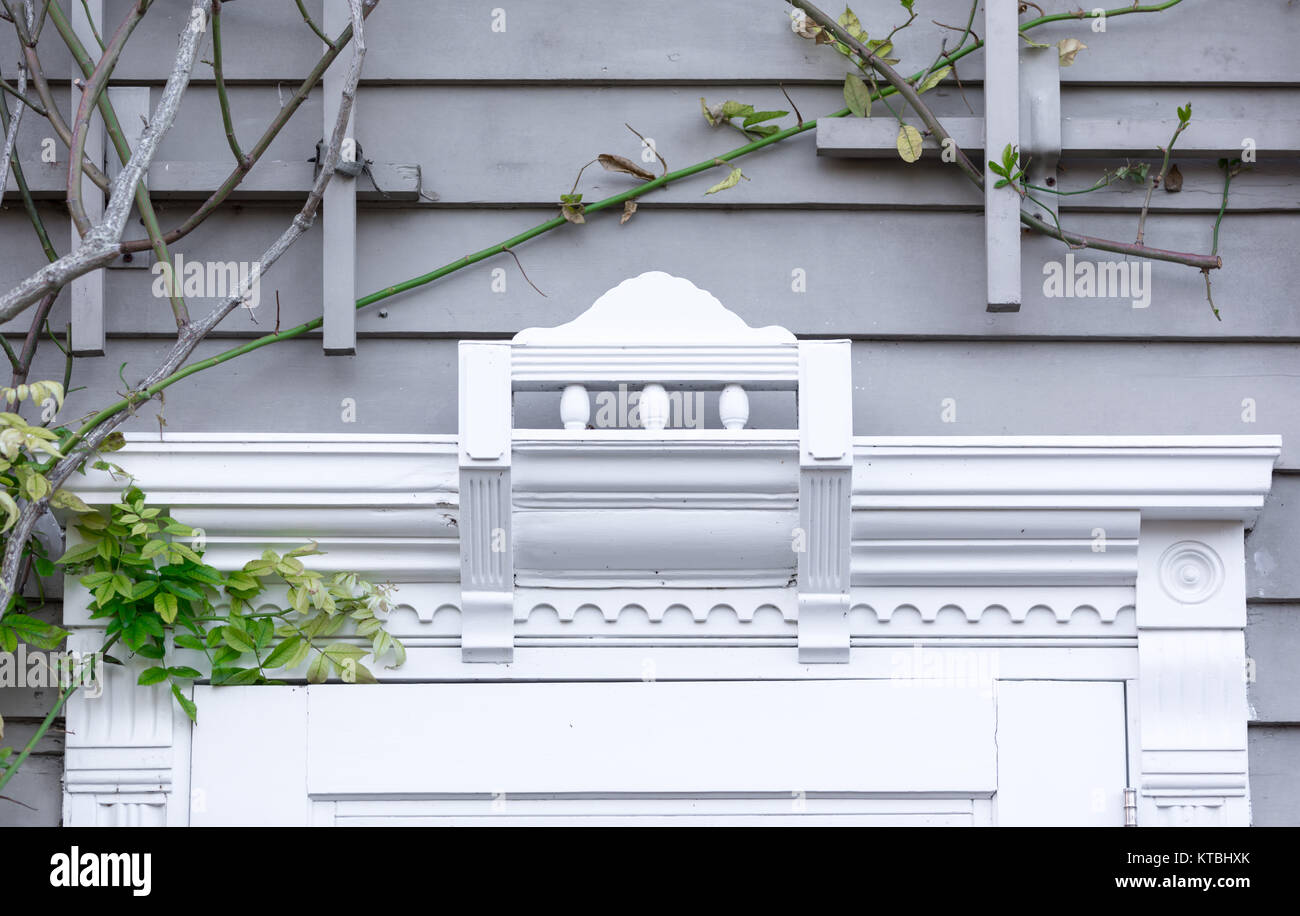 detail of the trim above a front door in sag harbor, ny - Stock Image
