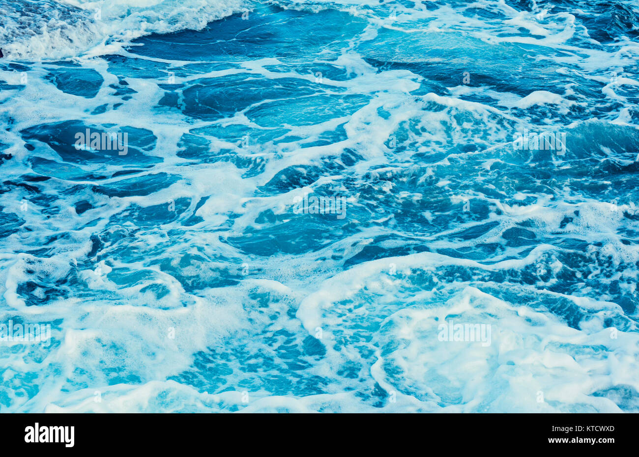 Aqua blue sea water - Stock Image