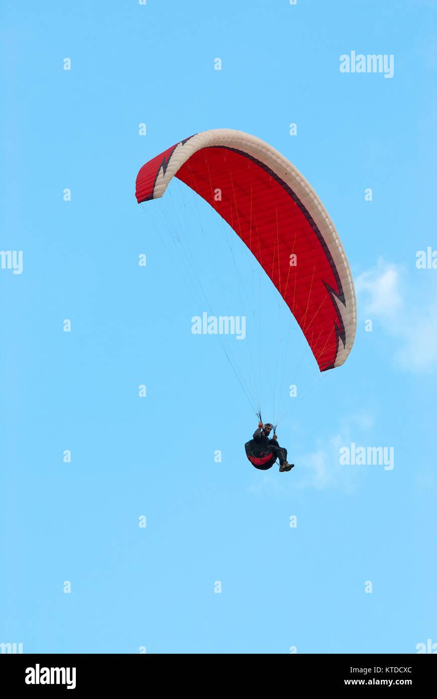 Paragliding in Castelluccio di Norcia, Sibillini Mountains National Park, Umbria, Italy - Stock Image