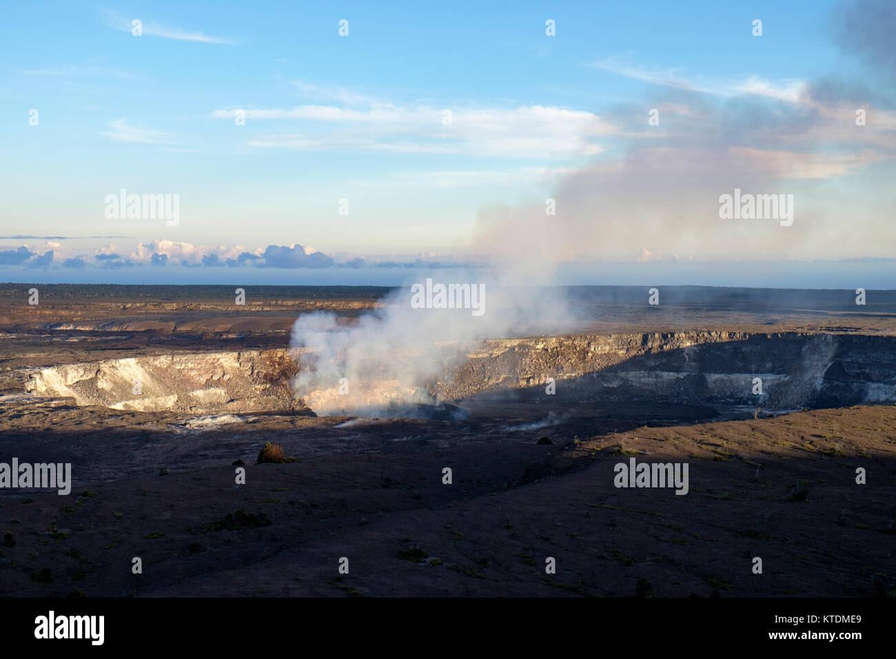 USA, Hawaii, Big Island, Hawaii Vulcanoes National Park, Halema'uma'u Krater - Stock Image