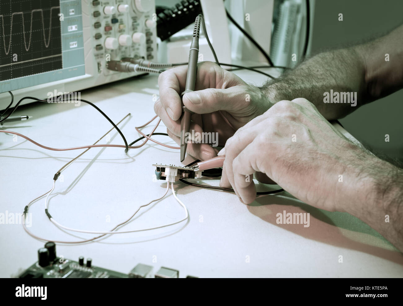 Testing Electrical Components Oscilloscope Stock Photos & Testing