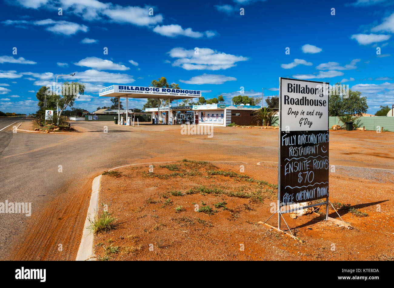 Billabong Roadhouse at the NW Coastal Highway in Western Australia. - Stock Image