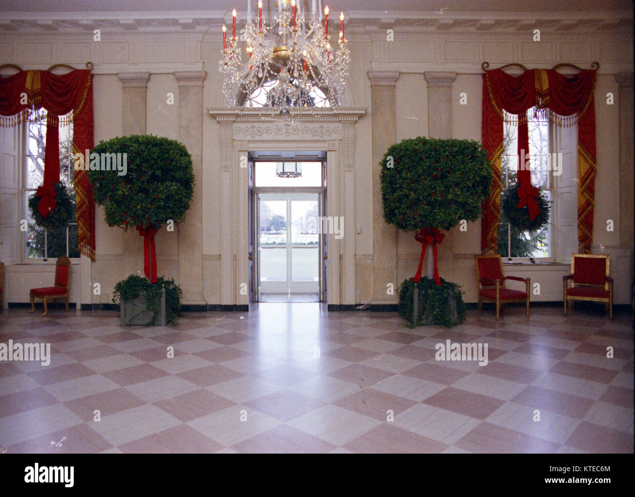 White House Grand Foyer : View of the ford white house grand foyer decorated for