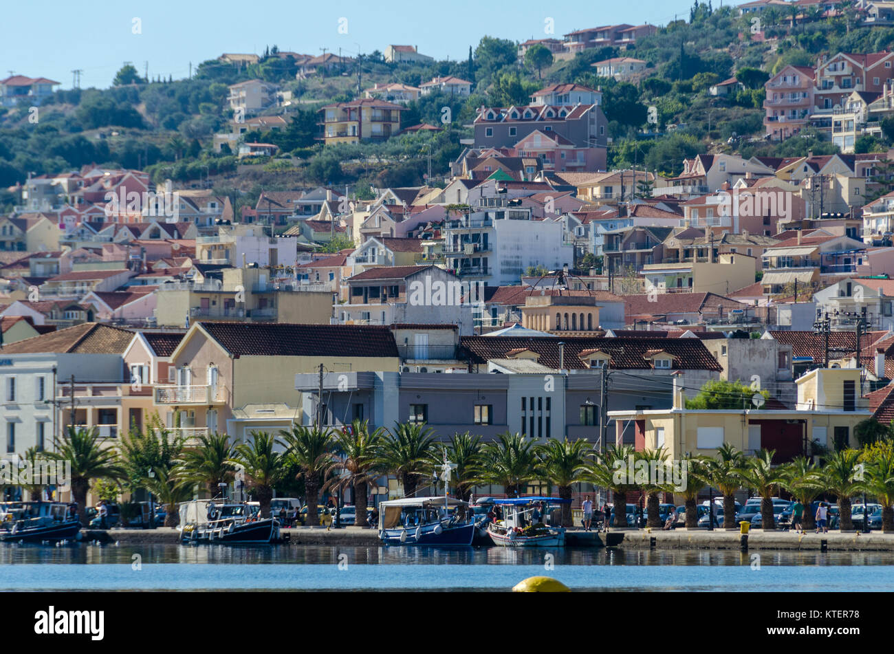 Close-up of the port and center of Lixouri city located on the same bay and facing the city of Argostoli capital - Stock Image