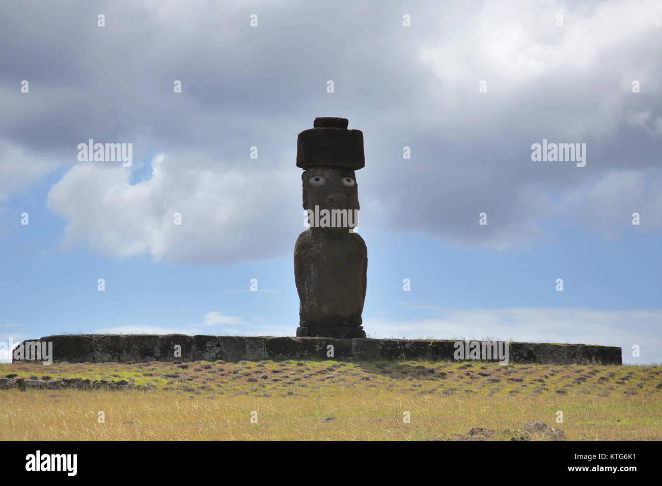 moai tahai or stone statues at hanga roa the capital of easter island or rapa nui - Stock Image