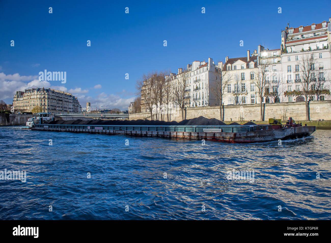 Boat platform on sena river in Paris, france - Stock Image