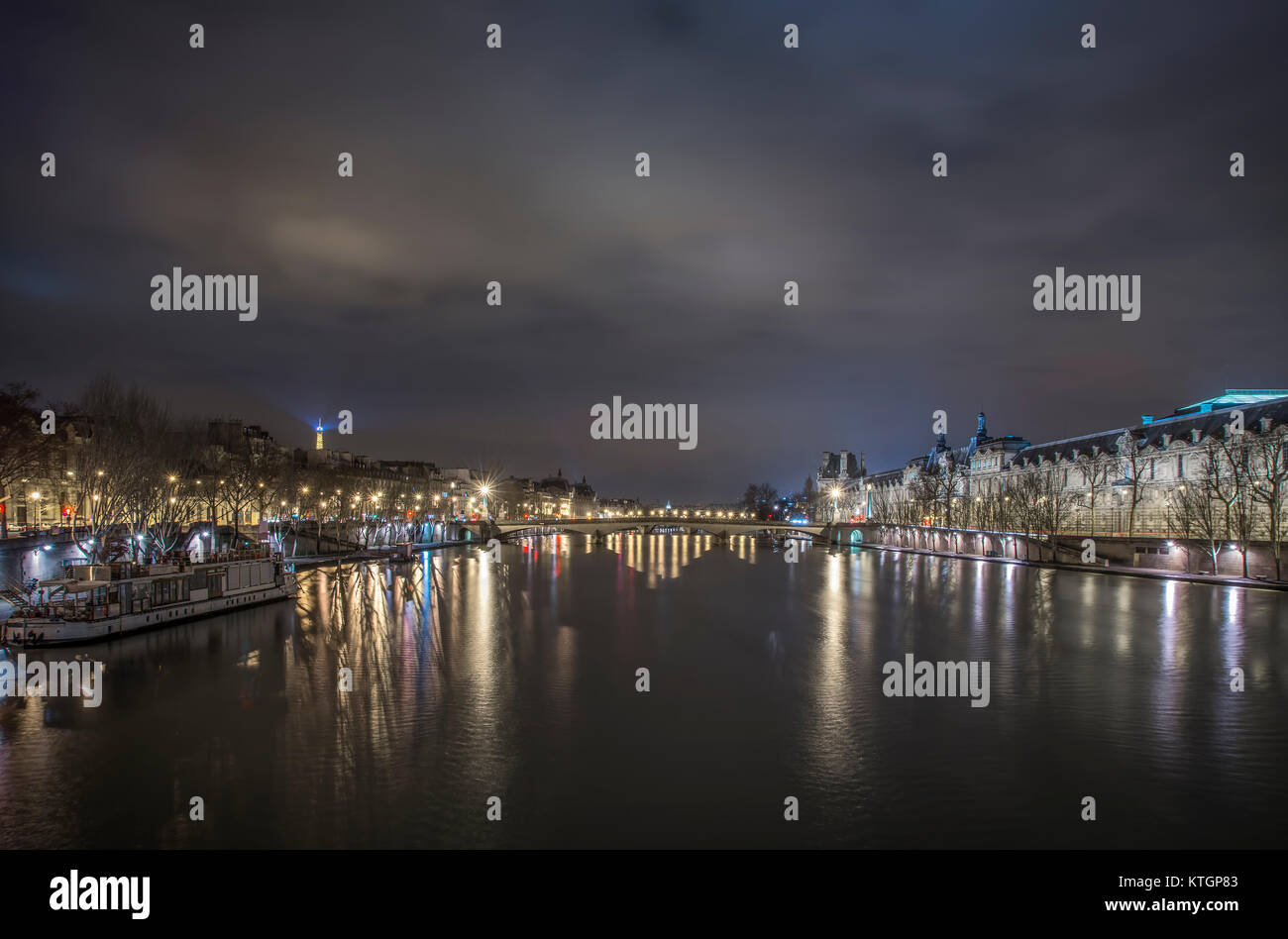 Paris river reflections, hight time, panoramic view - Stock Image