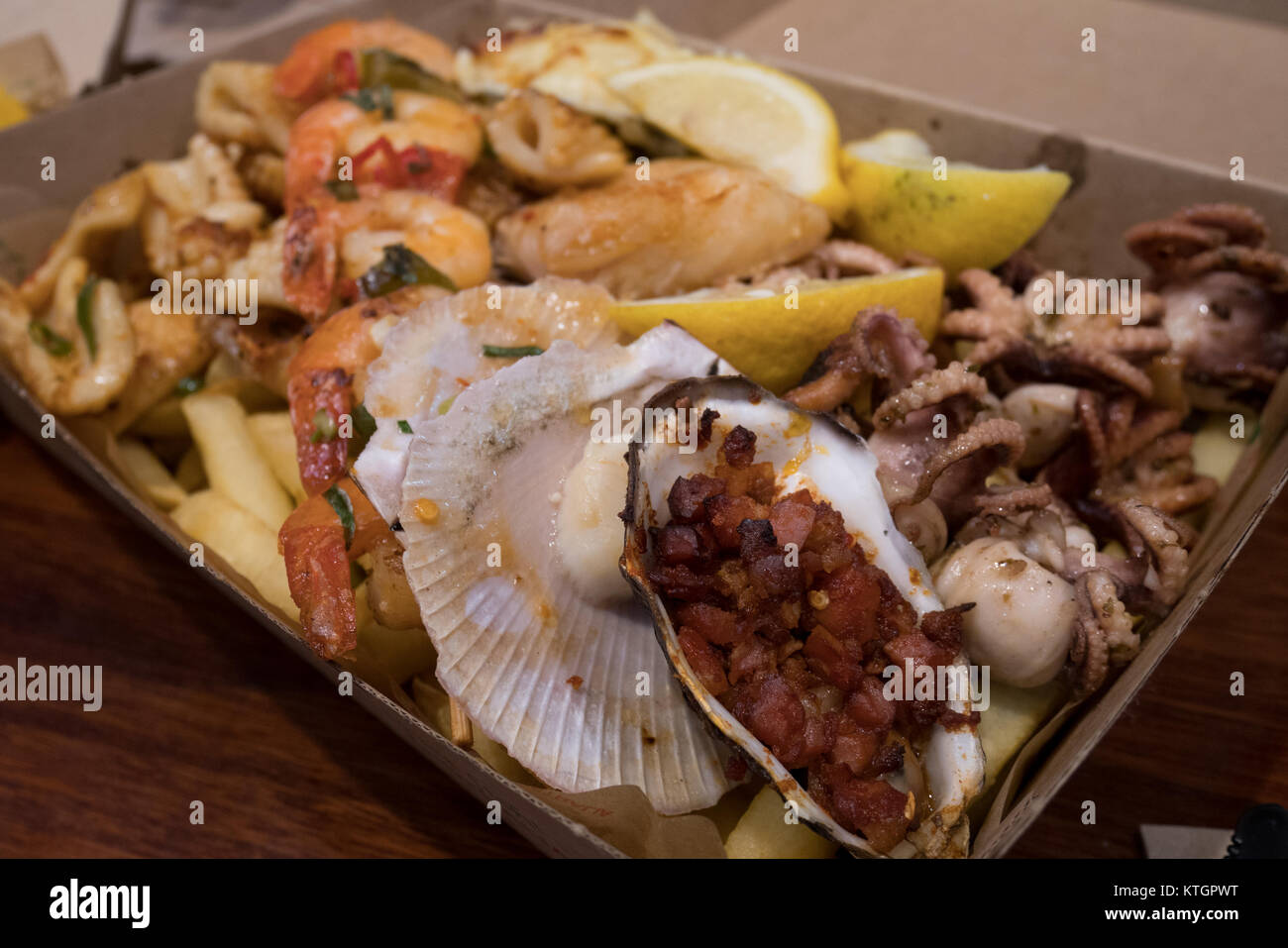Grilled Seafood Platter Stock Photo Alamy