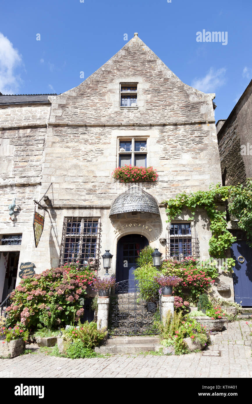 A remarkable antique shop frontage, at Rochefort en Terre (Brittany - France). Ranked as the 2016 France's most - Stock Image