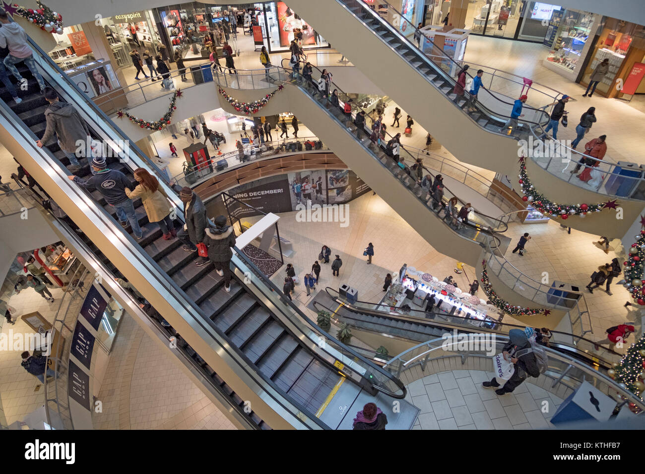 A view from above at the Queens Center shopping mall in Elmhurst, Queens, New York City just a few days before Christmas. - Stock Image