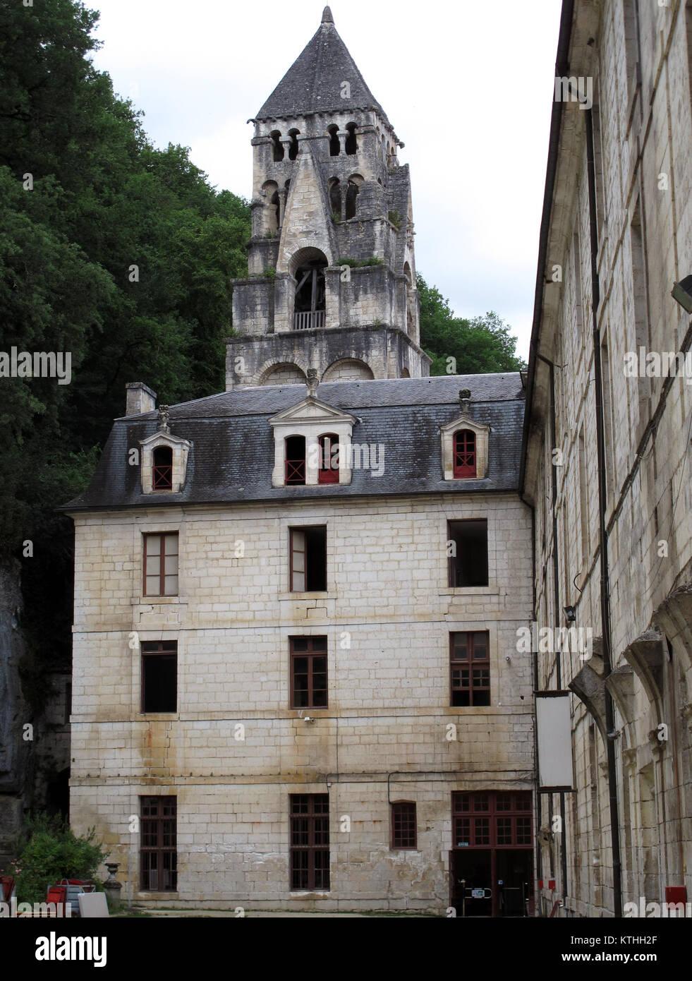 Brantome en Perigord, Abbaye de Saint Pierre de Brantome and City hall, La Dronne river, Dordogne, Nouvelle-Aquitaine, Stock Photo