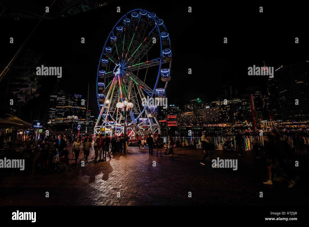 sydney harbourside shopping centre at night - Stock Image