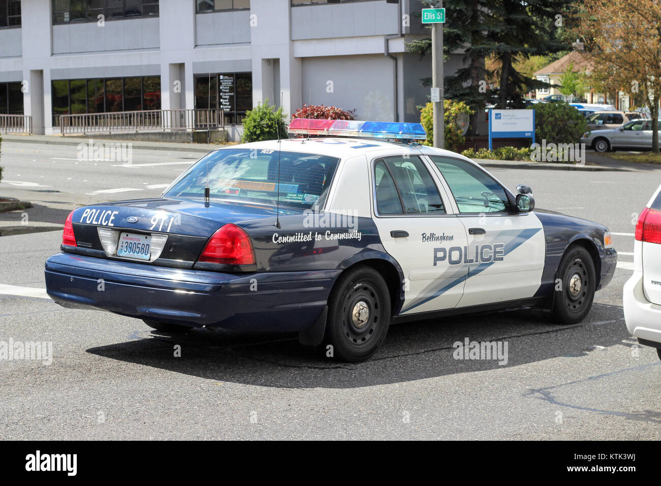 Illustration Ford Crown Victoria High Resolution Stock Photography And Images Alamy Crown vic takes us on one memorable night in the life of veteran patrol officer ray mandel and his trainee, ambitious rookie cop nick holland in lapd's olympic division. alamy