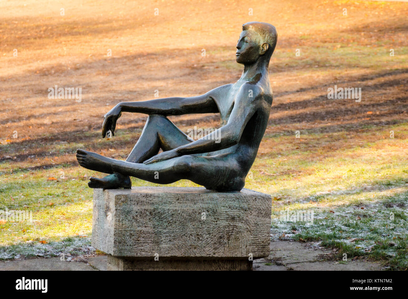 Jüngling / Youth by Theo Balden bronze sculpture in Volkspark am Weinberg, Berlin, Germany Stock Photo