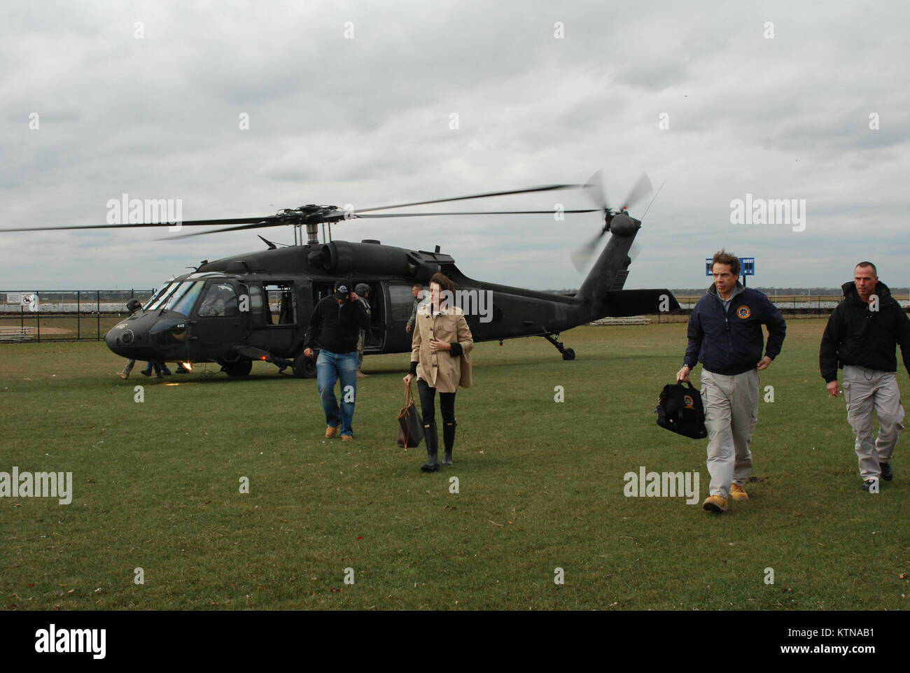 LONG BEACH, N.Y. – New York State Governor Andrew Cuomo arrives on a New York National Guard UH-60 Blackhawk helicopter - Stock Image