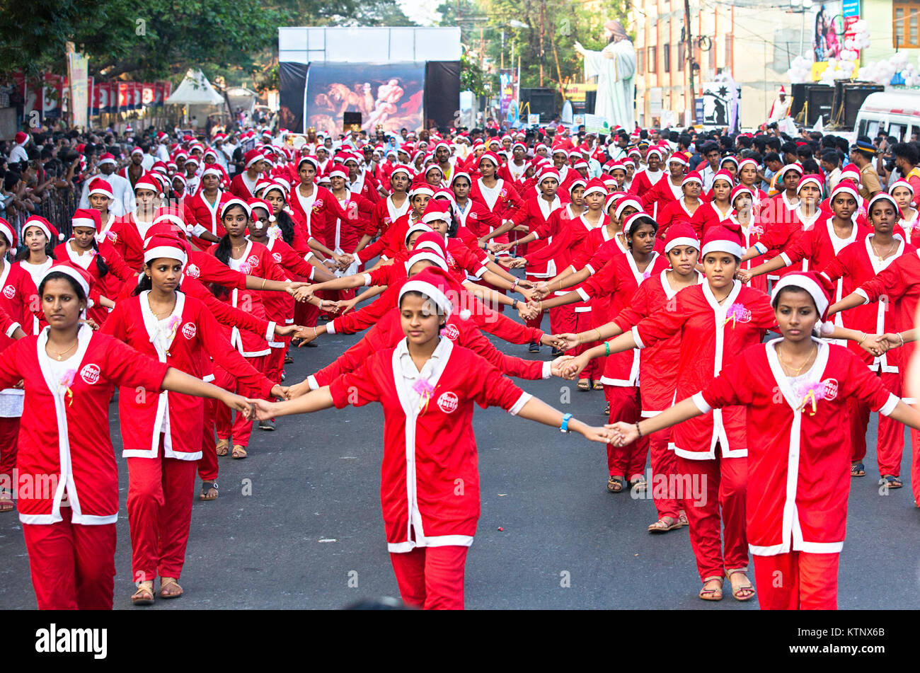 Buon Natale Thrissur.Colourfully Dressed Upon Santa S Doing Flashmob From Buon Natale