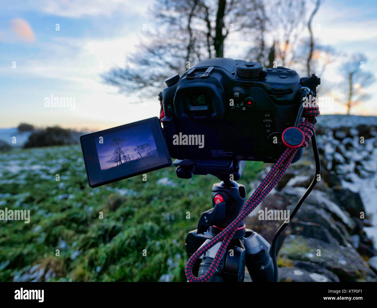 Moat Low, Derbyshire. 28th Dec, 2017. UK Weather: Photographers Camera setup for taking bracketed shots of Moat Stock Photo