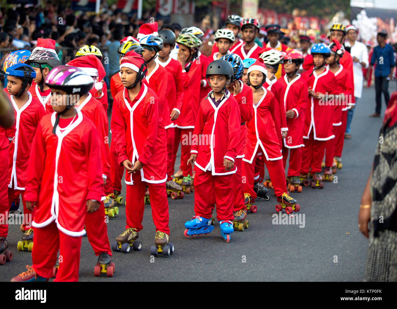 Buon Natale Thrissur.Kids With Roller Skating Wearing Santa S Clothes Participating In
