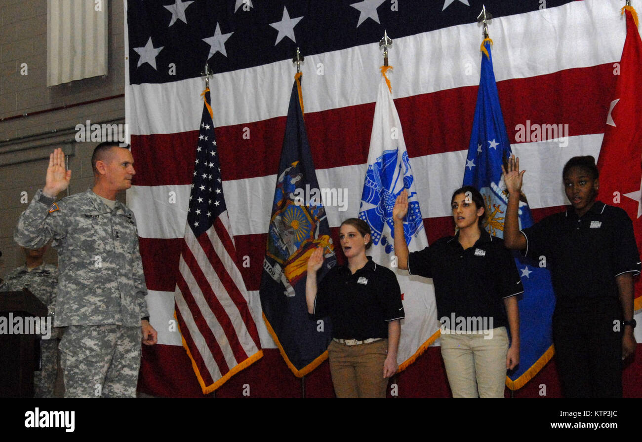 LATHAM , NY - Maj. Gen. Patrick Murphy, The Adjutant General of New York State (left), swears in some new members Stock Photo