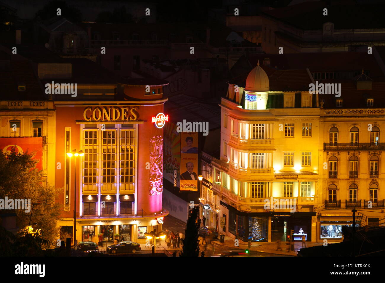 Geschäftshäuser am Rossio  bei Nacht  Lissabon, Portugal   I Commercial houses at Rossio Square at Night, - Stock Image