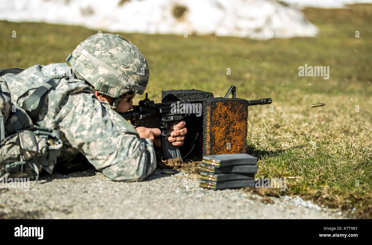 A Soldier zeroes his weapon before shooting a weapon qualification during the New York Army National Guard Best Stock Photo