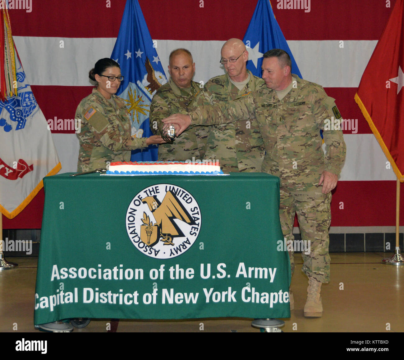 Fine Youngest And Oldest Soldiers Present Cut The Birthday Cake During Funny Birthday Cards Online Alyptdamsfinfo