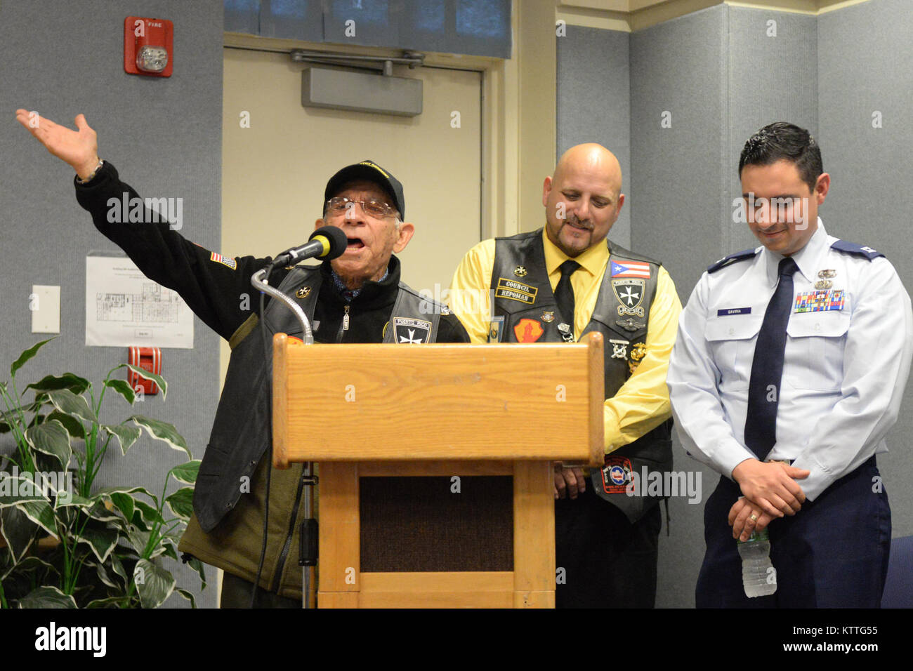 Vicente Arroyo A Retired US Army 65th Infantry Regiment Member Sings At The Podium During Hispanic Heritage Month Celebration New York Air National